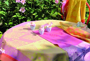 Garnier-Thiebaut Tablecloths