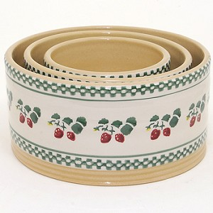 Strawberry Stacking Bowls Set/3