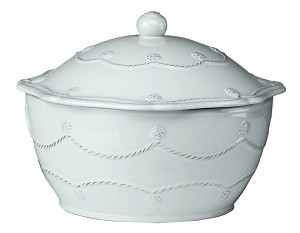 Berry and Thread Sm. Covered Casserole