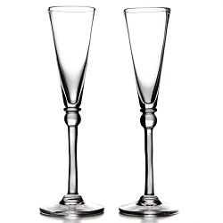 Hartland  Champagne Flutes in a Gift Box set/2