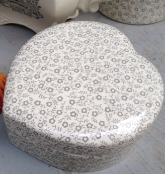 Dove Grey Felicity Heart Trinket Box  -3 available.