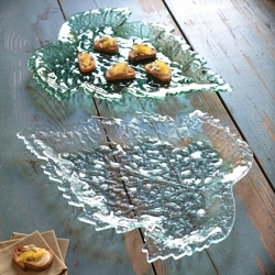Annie Glass Birch Leaf Plate Medium