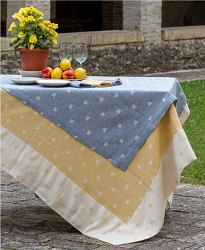 Tessitura Pardi API (Bee) Tablecloth
