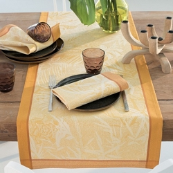 Borneo Ambre Table Runner 19'X59'', 100% Cotton, Green Sweet