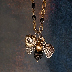 Bee Brave Awaken Verdi Necklace