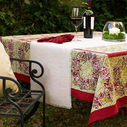 Winter Garden Wreath Red & Green French Tablecloth 71