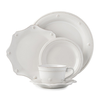 Berry & Thread Whitewash 5 Piece Setting w/Teacup
