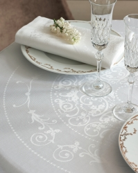 Comtesse Blanc Tablecloth 92 Round