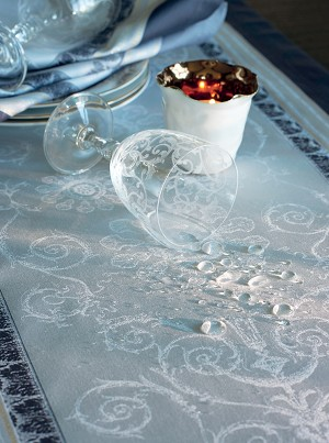 Galerie Des Glaces Argent Tablecloth Green Sweet