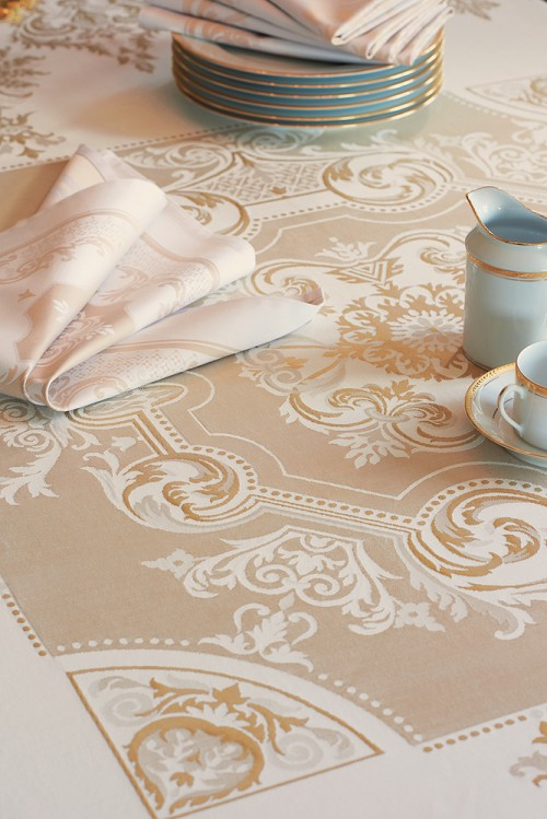 Eleonore Dore Green Sweet Tablecloth, 100% Cotton