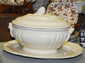 Pichon Soup Tureen, Cream