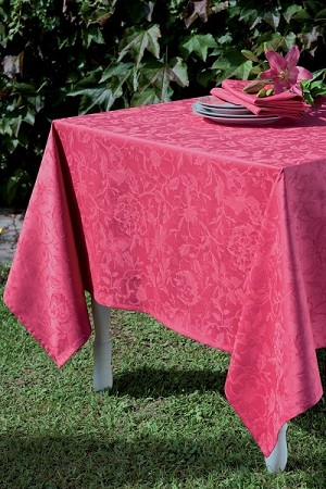 Mille Charmes Framboise Tablecloths