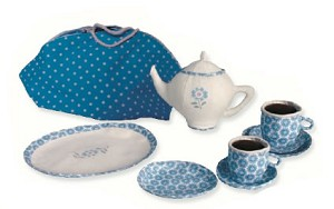 Teaset in Picnic Bag Retired